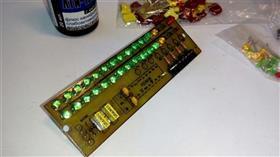 STEREO VU METR PIC16F88 \ Двухканальный пиковый индикатор уровня звука